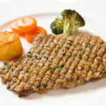 """『シャリアピンステーキ』=正統派フランス料理""""帝国ホテルのラ ブラスリー"""""""