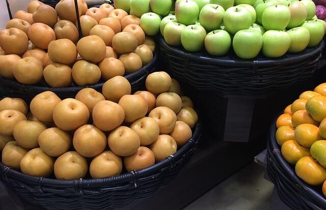 梨の種類は大きく2種類。「赤梨」と「青梨」