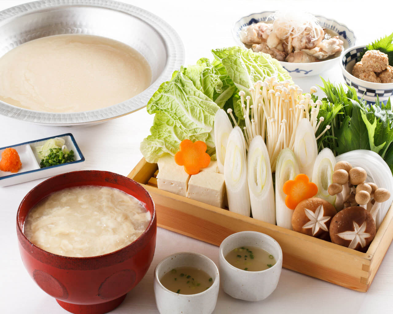 濃厚スープで鶏と野菜をいただける水炊きが名物【浅草 鶏よし】